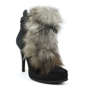 Women s Chinese Laundry Fur Boots on Poshmark 48864384ab21